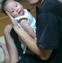 赤ちゃんを抱っこしてみた